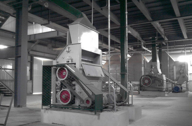 oilseeds crushing machine in retreatment workshop